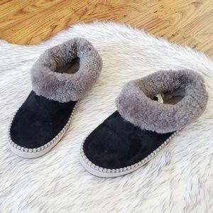 UGG Black Leather Grey Fur Lined Slide Slippers 8